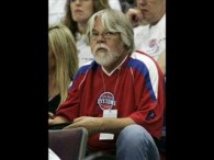 Bob Seger & The Silver Bullet Band – Shame On The Moon lyrics Until you've been beside a man You don't know what he wants You don't know if he […]