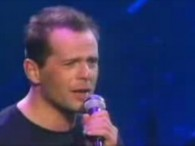 Bruce Willis – Under The Boardwalk lyrics When the sun beats down And burns the tar up on the roof And your shoes get so hot You wish your tired […]