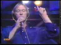 Dennis Waterman – I Could Be So Good For You lyrics If you want to, I'll change the-e situation Right people, right time, just the wrong location I've got a […]