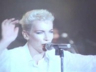 Eurythmics – There Must Be an Angel (Playing with My Heart) lyrics No-one on earth could feel like this. I'm thrown and overblown with bliss. There must be an angel […]