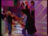 France Gall – Hong Kong Star lyrics Toi, t'aurais voulu jouer Hamlet Mais les propositions qu'on t'a faites Ce sont des grands mélos d'amour Et des feuill'tons au kilomètre Dans […]