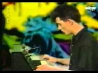 Indochine – L'Aventurier lyrics Égaré dans la vallée infernale Le héros s'appelle Bob Morane À la recherche de l'Ombre Jaune Le bandit s'appelle Mister Kali Jones Avec l'ami Bill Ballantine […]