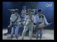 Pseudo Echo – Funky Town lyrics Gotta make a move to a town that's right for me Town to keep me movin' Keep me groovin' with some energy Well, I […]