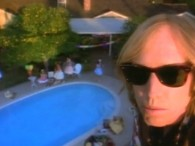 Tom Petty – Free Fallin' lyrics She's a good girl, loves her mama Loves Jesus and America too She's a good girl, is crazy 'bout Elvis Loves horses and her […]